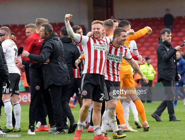 Sheffield United celebrate their win and promotion to the premiership at the end of their FA Championship football match between Sheffield United FC...