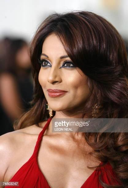 Sheffield, UNITED KINGDOM: Indian actress Indian actress Bipasha Basu arrives at the International Indian Film Academy Awards ceremony at the Hallam...