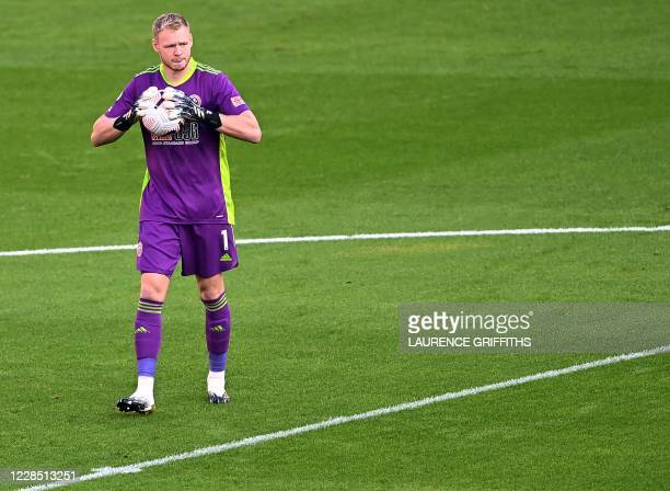 Sheffield United's English goalkeeper Aaron Ramsdale holds the ball during the English Premier League football match between Sheffield United and...