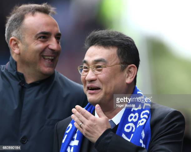 Sheffield Wednesday Chairman Dejphon Chansiri speaks to Carlos Carvalhal Manager of Sheffield Wednesday prior to the Sky Bet Championship Play Off...