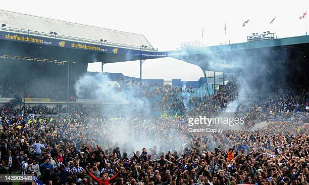 Sheffield Wednesday fans celebrate after winning the Npower League One match between Sheffield Wednesday and Wycombe Wanderers and winning automatic...