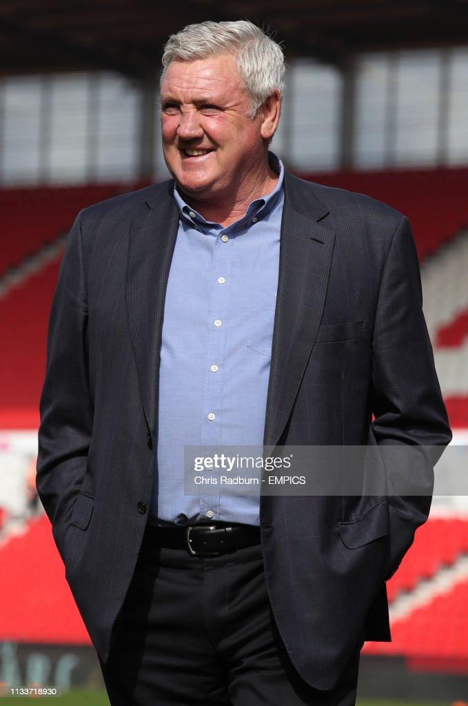 Stoke City v Sheffield Wednesday - Sky Bet Championship - bet365 Stadium : News Photo