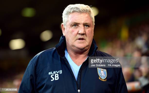 Sheffield Wednesday manager Steve Bruce prior to kick-off during the Sky Bet Championship match at Carrow Road, Norwich.
