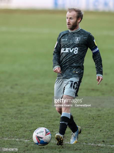Sheffield Wednesday's Barry Bannan passes during the Sky Bet Championship match between Luton Town and Sheffield Wednesday at Kenilworth Road on...
