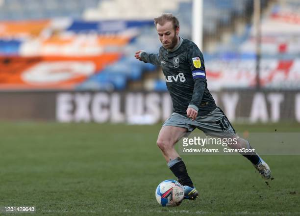 Sheffield Wednesday's Barry Bannan takes a free kick during the Sky Bet Championship match between Luton Town and Sheffield Wednesday at Kenilworth...