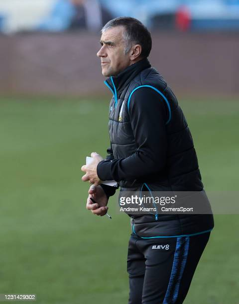 Sheffield Wednesday's caretaker manager Neil Thompson during the Sky Bet Championship match between Luton Town and Sheffield Wednesday at Kenilworth...