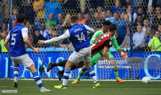 Sheffield Wednesday's Gary Hooper scores his side's first goal of the game during the Sky Bet Championship match at Hillsborough Sheffield