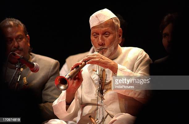 Shehnai Maestro Ustad Bismillah Khan performs in New Delhi India