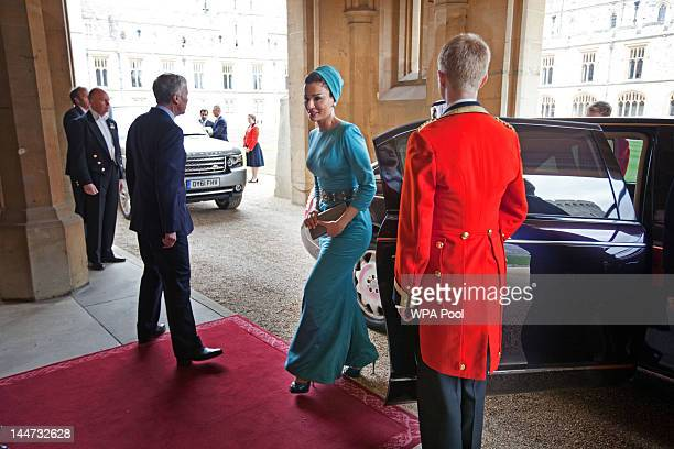 Sheika Mozah bint Nasser AlMissned arrives at a lunch For Sovereign Monarchs in honour of Queen Elizabeth II's Diamond Jubilee at Windsor Castle on...