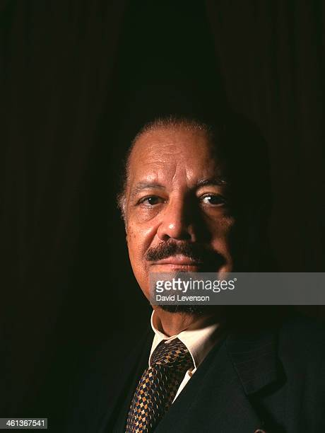 Sheik Ahmed Zaki Yamani poses for a portrait on September 30 2000 in LondonEngland Sheik Yamani was the Saudi Arabian Minister of Oil during the 1973...