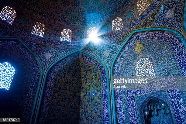 sheikh lotfollah mosque, isfahan, iran. - シェイフロトフォラモスク ストックフォトと画像