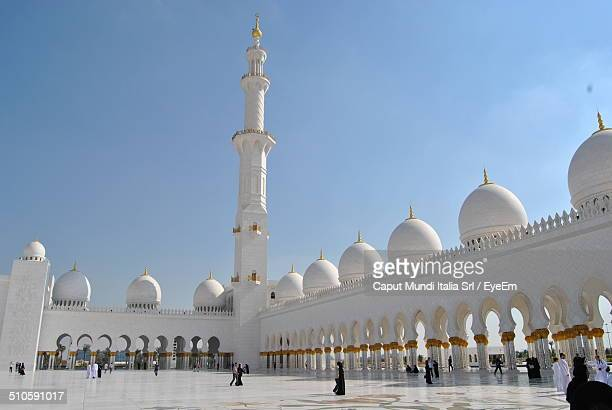 Sheikh Zayed Grand Mosque against cloudy sky