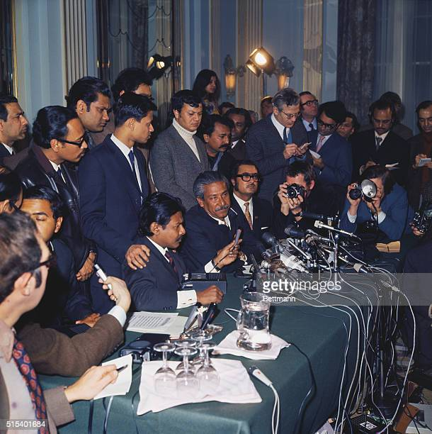 Sheikh's Surprise Interview London England Newly released Bangladesh independence pioneer Sheikh Mujibur Rahman arrives in London on a surprise visit...
