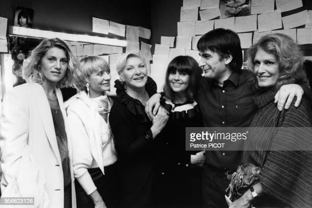 Sheila Annie Cordy Line Renaud Chantal Goya Serge Lama et Dalida à la 1ère de 'Napoléon' le 4 octobre 1984 à Paris France