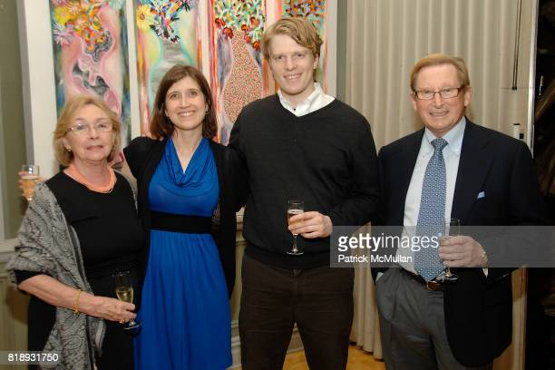 Sheila Cresswell Claudia Gabel Ben Lindvall and Ronnie Cresswell attend MICHELLEMARIE HEINEMANN and TERRI LINDVALL'S Lecture and Private Dinner to...