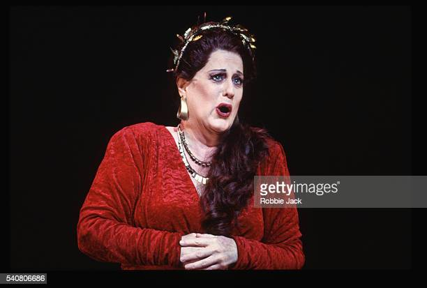 sheila nadler in arianna - opera singer stock pictures, royalty-free photos & images