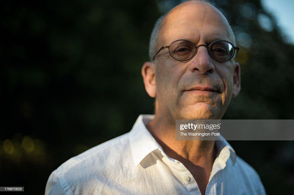 Jeff Bezos acquires the Washington Post newspaper : News Photo