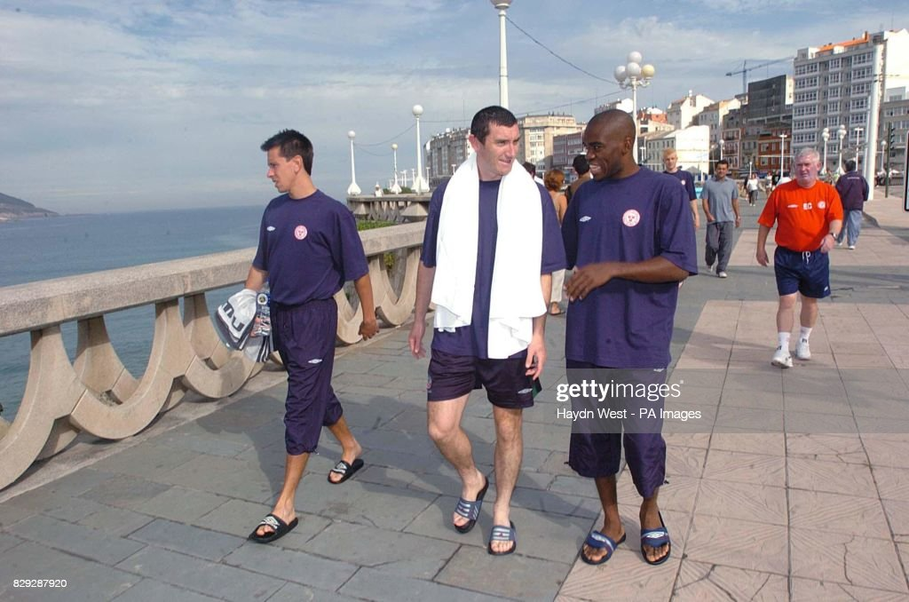 Shelbourne players Ger McCarthy (left to right), Jason Byrne and Joseph Ndo during a visit to the beach outside the team hotel in La Coruna, Galicia, Spain, in preparation for the second leg of the third qualifying round of the UEFA Champions League against Deportivo La Coruna on Tuesday.