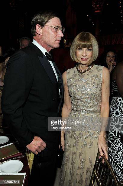 Shelby Bryan and EditorinChief of Vogue Anna Wintour attend the amfAR New York Gala to kick off Fall 2011 Fashion Week at Cipriani Wall Street on...