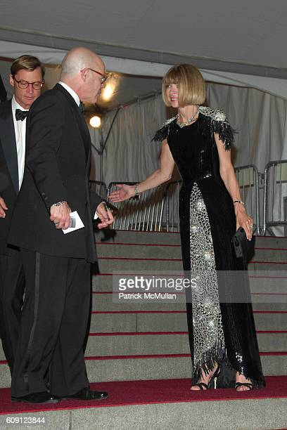 Shelby Bryan Billy Norwich and Anna Wintour attend The COSTUME INSTITUTE Gala in honor of POIRET KING OF FASHION at The Metropolitan Museum of Art on...