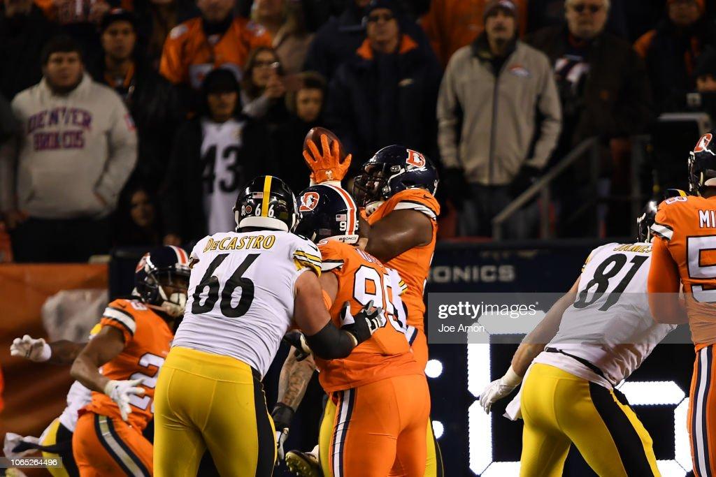 Denver Broncos vs. Pittsburgh Steelers, NFL Week 12 : News Photo