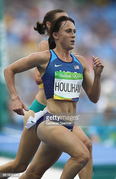 Shelby Houlihan of the United States competes during the Women's 5000m Round 1 on Day 11 of the Rio 2016 Olympic Games at the Olympic Stadium on...