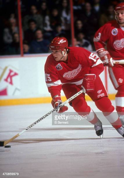 Sheldon Kennedy of the Detroit Red Wings skates with the puck during an NHL game against the Philadelphia Flyers on January 17 1993 at the Spectrum...