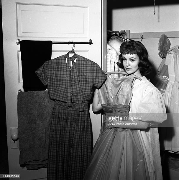 SHOW Shelley Fabares At Home Layout Shoot Date May 15 1959 SHELLEY