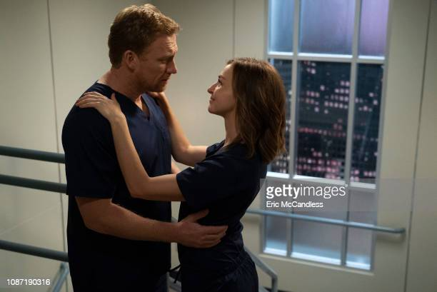S ANATOMY Shelter from the Storm The windstorm continues to blow through Seattle and after the power goes out at Grey Sloan the doctors are left...