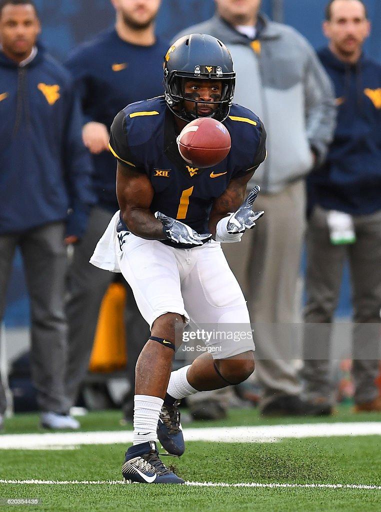 TCU v West Virginia : News Photo