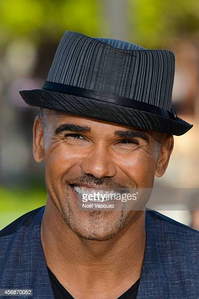 Shemar Moore visits 'Extra' at Universal Studios Hollywood on October 8 2014 in Universal City California