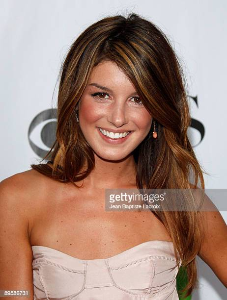 Shenae Grimes arrives at the 2009 TCA Summer Tour CBS CW and Showtime AllStar Party at the Huntington Library on August 3 2009 in Pasadena California