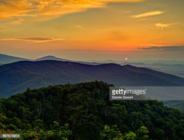 shenandoah sunrise - shenandoah_national_park stock pictures, royalty-free photos & images