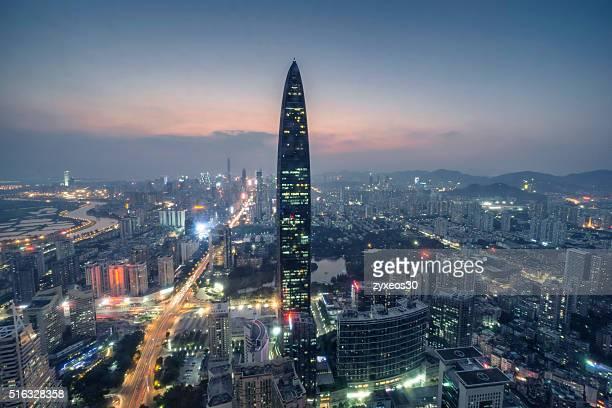 Shenzhen Stadt bei Nacht, Kingkey - 100