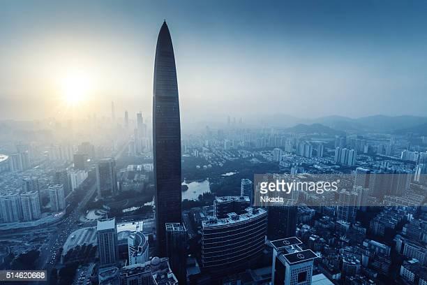 Shenzhen Megacity in der Dämmerung