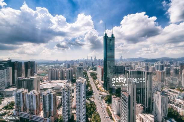 shenzhen shun hing square landscape - 深圳市 ストックフォトと画像