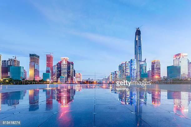 horizonte urbano de shenzhen - shenzhen - fotografias e filmes do acervo