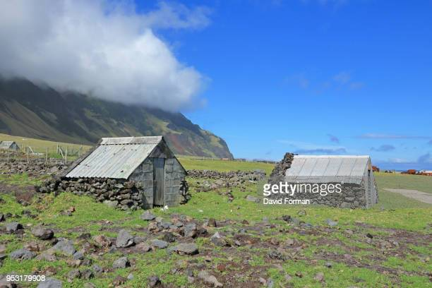 shepherd's huts on tristan da cunha island, south atlantic. - tristan da cunha eiland stockfoto's en -beelden