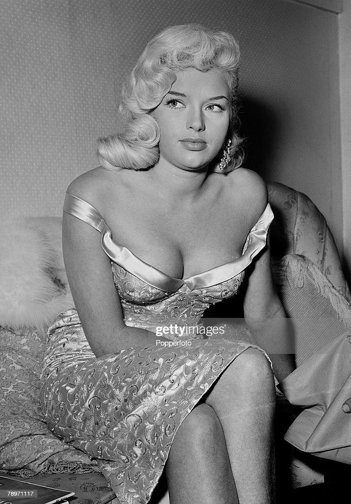 1957 Shepperton Studio\u0027s London Actress Diana Dors  sc 1 st  Getty Images & 1957. Shepperton Studio\u0027s London. Actress Diana Dors Pictures ...