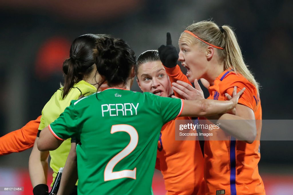 Netherlands v Republic of Ireland - 2019 FIFA Women's World Cup Qualifier