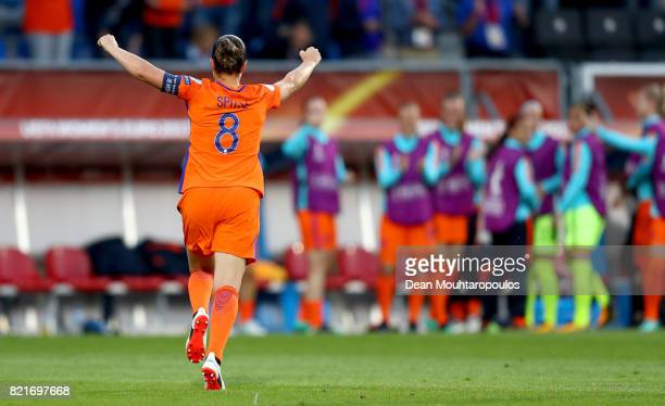 Sherida Spitse of Netherlands celebrate with her team mates after she scores the opening goal by penalty kick during the Group A match between...
