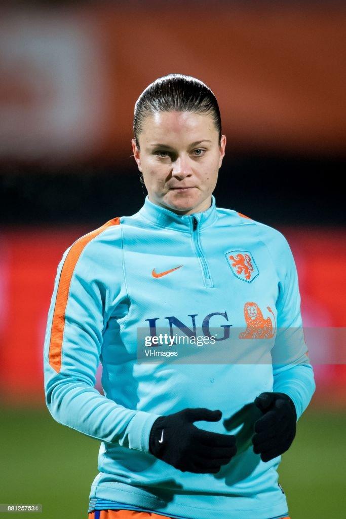 Netherlands Women's v Ireland Women's - 2019 FIFA Women's World Championship Qualifier