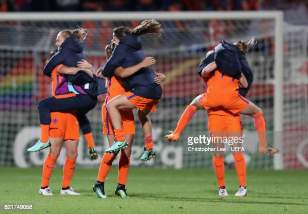 Sherida Spitse of the Netherlands Lieke Martens and Kika van Es of the Netherlands celebrates their victory with three subs during the UEFA Women's...
