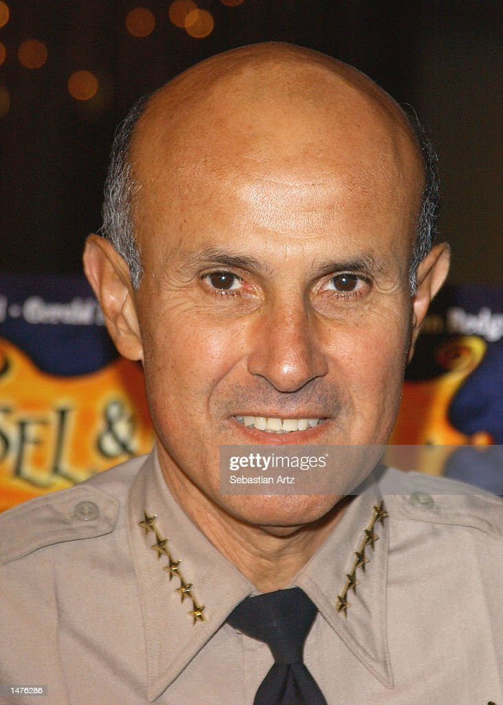 Sheriff Lee Baca arrives at the premiere of the movie 'Hansel & Gretel' on October 14, 2002 in Los Angeles, California.