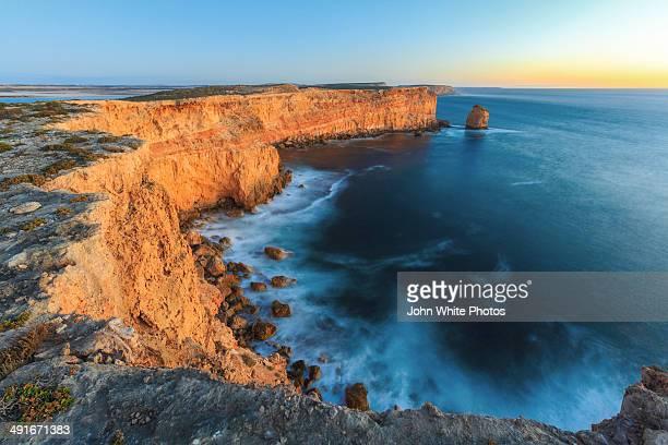 sheringa cliffs. eyre peninsula. south australia - porto lincoln - fotografias e filmes do acervo