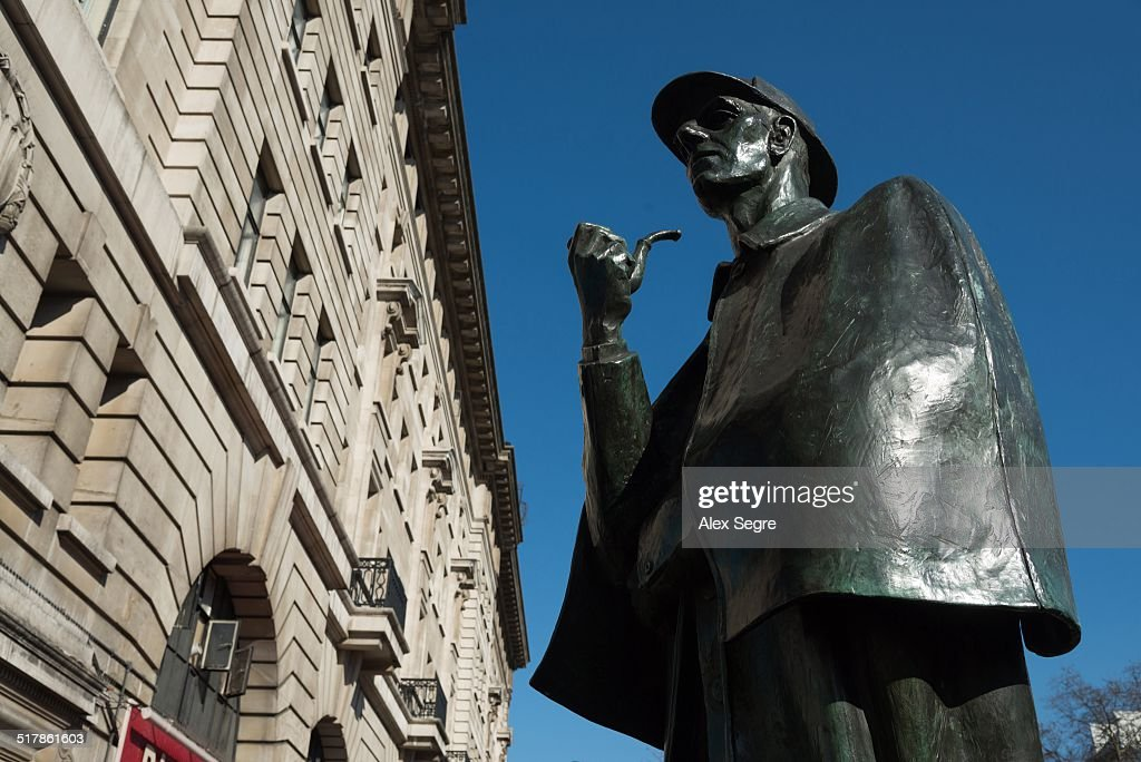 Sherlock Holmes statue at Baker Street, London, UK