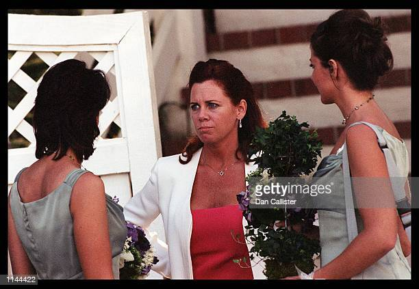 05/30/99 Sherman Oaks CA Newly wed Janelle Dreyfuss thanks her bridesmaids Picture by DAN CALLISTER Online USA Inc