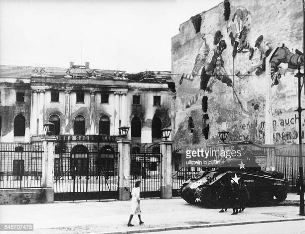 A Sherman tank in front of the burnt Sportpalast in Potsdamer Strasse in Berlin