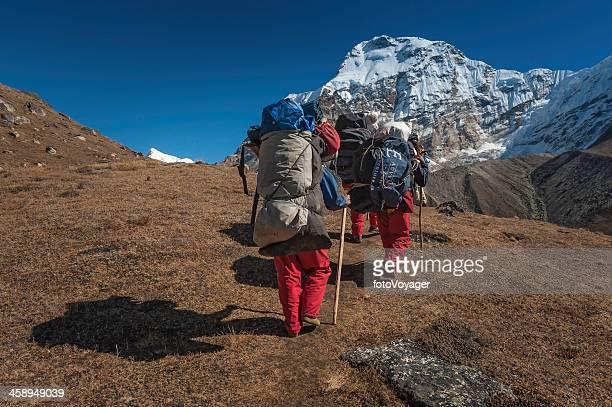 シェルパポーター通電エクスペディションキットヒマラヤ山脈ネパール - 職業 ポーター ストックフォトと画像