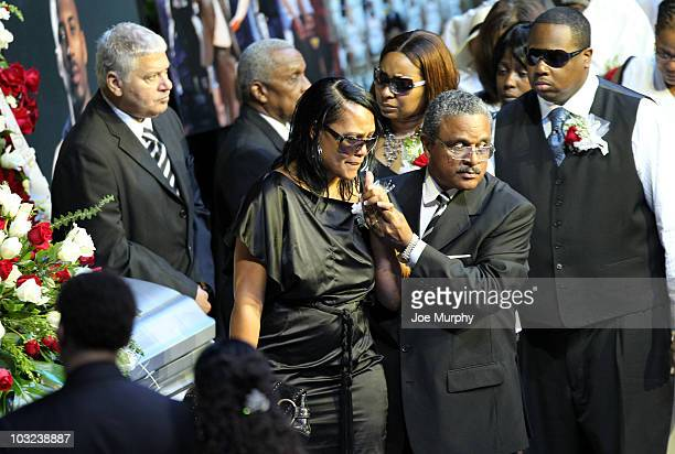Sherra Wright exwife of Lorenzen Wright cries during a memorial service honoring the life of Lorenzen Wright on August 4 2010 at FedExForum in...